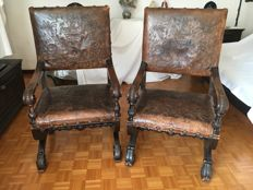 2x Armchairs in walnut wood and leather - Italy - early 20th century
