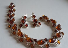 Set of Baltic amber bracelet lenght 18.5 cm and earrings with 925 silver