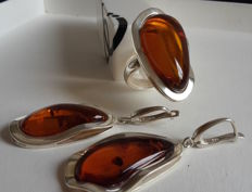 Large set of Baltic amber earrings and ring diameter 18 mm with silver
