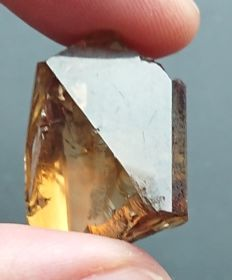 Completed rough Topaz - 26.40 x 19.00 x 14,05 mm - 75 ct