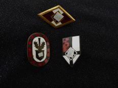 3 small badges from WW II