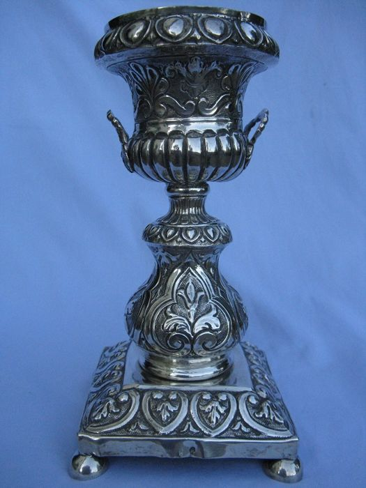 Ancient vase - .800 silver - Italy - 1872/1934