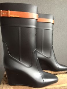 """Sergio Rossi - Rubber boots The boots are """"in new condition"""", never worn."""