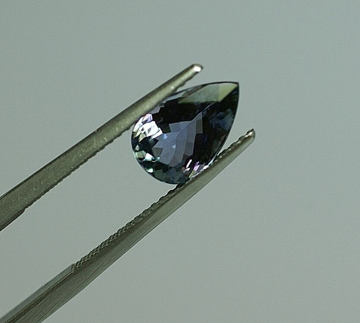 Tanzanite - blueish-violet 2.16ct