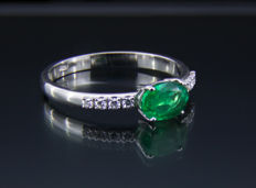 1 ct emerald white gold ring with diamonds 0.1 ct - 17.3 mm - No reserve price