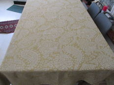Large damask tablecloth with print - Ochre yellow and off-white.
