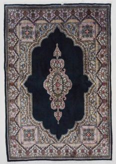 Persian carpet, Kerman, 236 x 154 cm