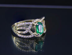 1 ct. emerald 14 kt gold ring with diamonds 0.22 ct. * Free shipping * No Reserve * Free Resizing  *