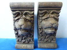 Two wall consoles with lion motifs, 20th century