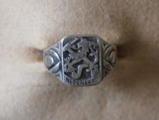 Old silver men's signet ring, 1925, the Netherlands, Zeist.