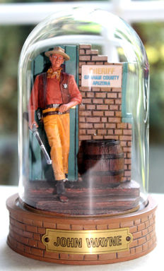 "Franklin Mint - character ""John Wayne"" - with glass dome"