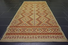 Beautiful old oriental carpet Berber Kelim wedding carpet, 105X200 cm made in Morocco