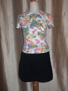 PRADA -MINI SKIRT    +   Roberto cavalli -t-shirt   MADE IN ITALY