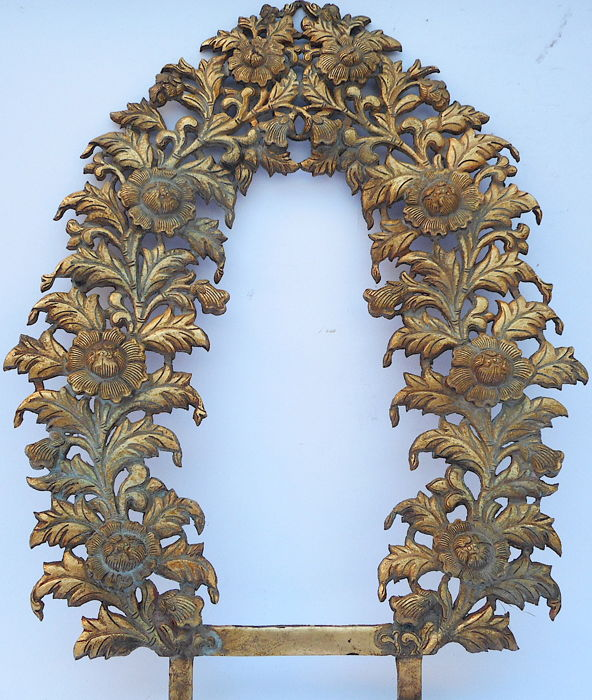 Gilt copper Prabha almond support - Nepal - Between 18th and 19th century