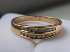 14 kt Yellow gold ring with diamond, ring size: 16.25