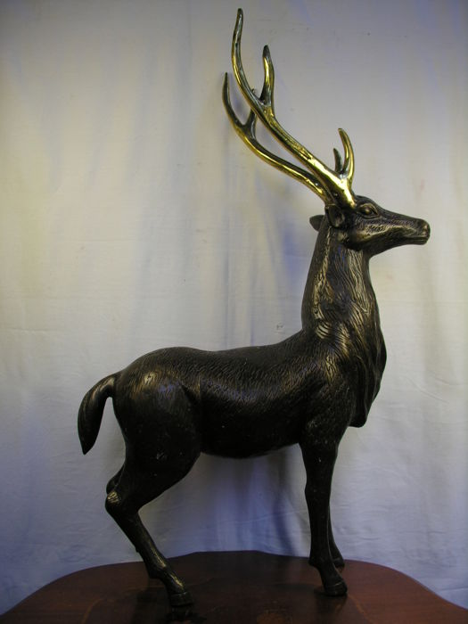 Unknown artist - Standing deer - height 65 cm