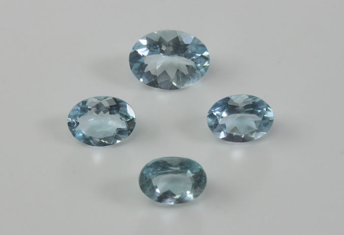 Four Aquamarines - 5.40 Ct - No reserve price