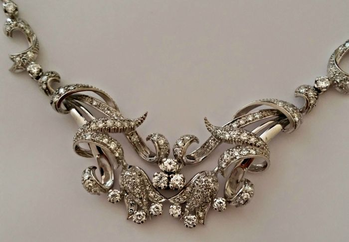18-kt White Gold Necklace with 137 Diamonds Totalling 4.37 ctLength: 40 cm
