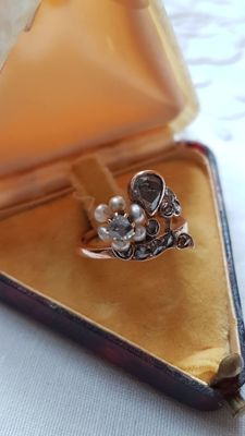 1800s Antique ,14k Solid Yellow Gold Pearl with Diamond Ring