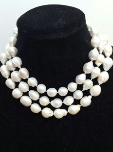 Long necklace with XL fresh water cultured pearls (13 to 21 mm) – Length:  126 cm
