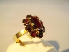 Gold ring with rose-cut garnets