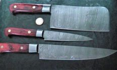Set of three handcrafted Damask knives - handle made of red wood - 200 + layers damask steel