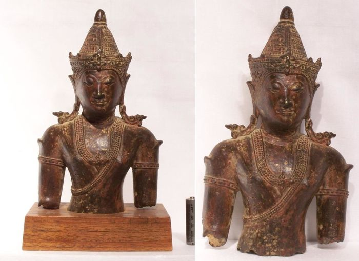 Sakyamuni Buddha, bronze bust with golden traces. Ayuthaya era, second Suphannaphum dynasty - Thailand - 16th century