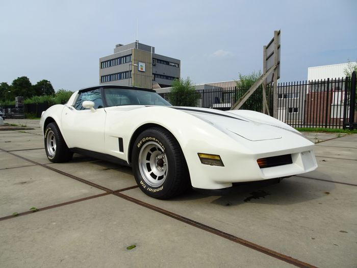 Chevrolet - Corvette C3 350 CI V8 T-Top Targa - 1981