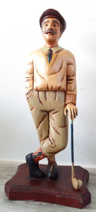 Sculpture of an English golf player (70 cm), England, 2nd half of the 20th century A top piece!