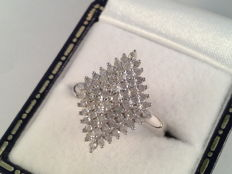 18 kt white gold ring with brilliant cut diamonds, 1 ct. Ring size 16.5 / 52