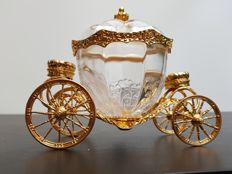 Franklin Mint - Cinderella's magic coach - 24 carat golden details and Austria's crystal.