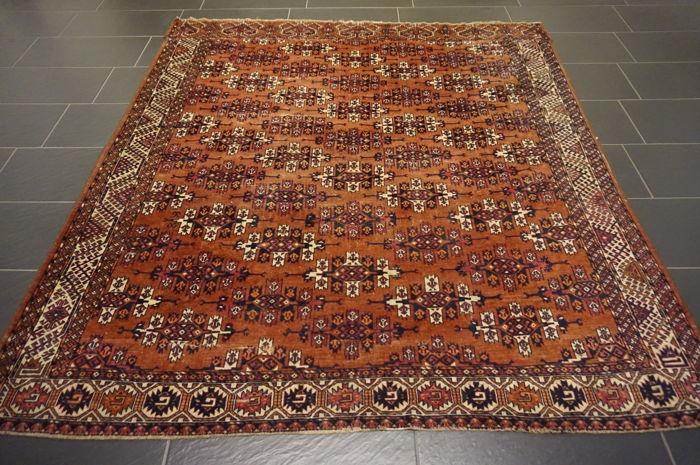 Beautiful Art Deco Yomut Bukhara USSR oriental carpet, wool on wool, made in the USSR Khanqah 200 x 215cm Tapijt Tappeto Tapis carpet old rug
