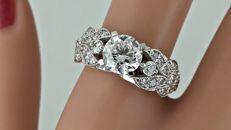 2.21 ct round diamond fashion ring in 18 kt gold - size 7