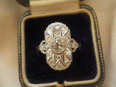 Art Deco diamond  gold ring set with a 0,85 ct old cut Bolshevik diamond, ca. 1920-1930, incl. gemological certificate
