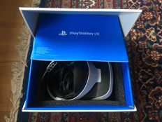 Playstation VR + PS Camera + 2 Move controllers with desk charger + 4 games