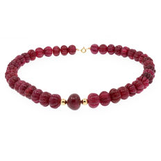 18k/750 yellow gold necklace with rubies - Length 51.5 cm.