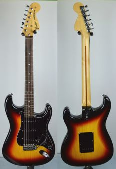 Fender Stratocaster 71' ASH Sunburst Japan 2005