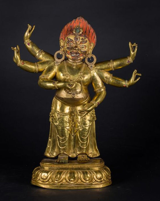 Large sculpture in gilt copper depicting the White Mahākāla (approx. 63 cm) - Nepal - 18th century