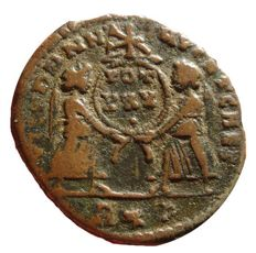 Roman Empire - Constantius II (337 - 361 A.D.) bronze maiorina (3,91 g. 21 mm.). Two Victories holding shield inscribed VOT XXX under Chi-Rho. R*P. Extremely rare!