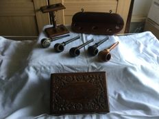 Beautiful 5 old pipes set with corresponding rack, standing rack and modified tobacco box.