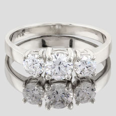 14K Solid White Gold Ring with created moissanite - US size 7.5