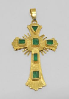 Yellow gold cross pendant with emeralds no reserve price.