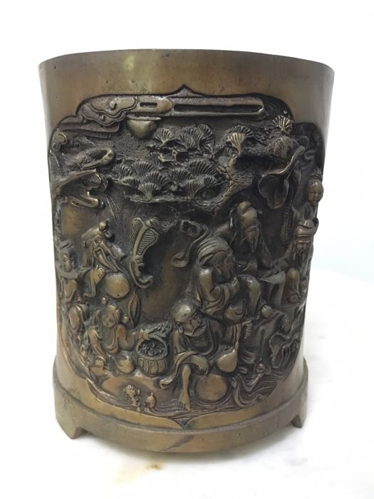 Bronze brush-pot with the Eight Immortals - China - Late 20th century