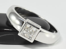 0.34 ct diamond ring in 18 kt white gold - size 54.3 ** no reserve **