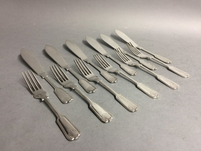 Silver plated fish cutlery for 6 persons, classic design, Sheffield, England, ca. 1955