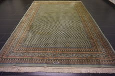 Beautiful hand-knotted oriental carpet, Sarouk Mir, 200 x 300 cm, made in India at the end of the 20th century