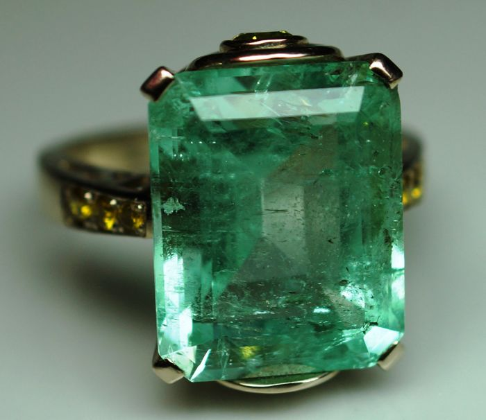 Gold Ring - 7.43 gr. with Rarity: Luxury Natural Emerald - 12.14 сt. IGI Certificate and Diamonds - 0.44 ct.