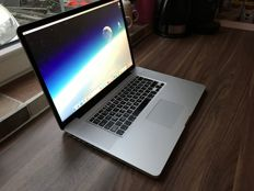 MacBook Pro 17 inch - 2009 - 2,8Ghz - 8GB RAM - 128GB SSD - Very fast