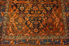 Antique Persian carpet Bidjar 140 x 200cm Made in Iran, natural colorus