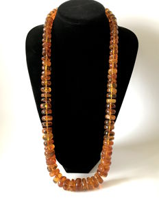 Natural Amber old necklace : not pressed, in cognac colour, from the Baltic region, 186.8 grams